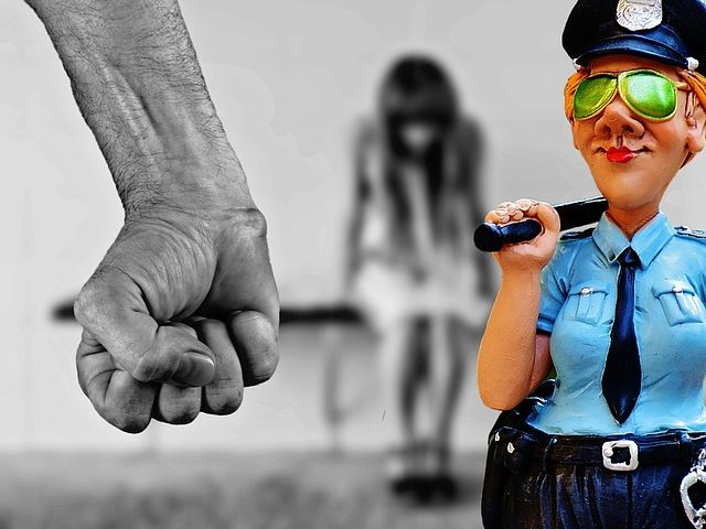 自己愛性パーソナリティ障害はDVや虐待、セクハラの加害者になりやすいタイプ