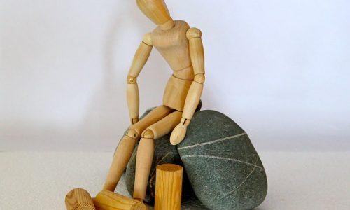 ストレスが原因の頭痛や吐き気、腹痛について