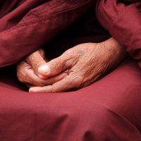 マインドフルネス瞑想はなぜ不安感や抑うつが強い人にいいのか?